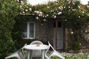 Chambres et Tables d'hôtes à l'Auberge Touristique, Bed & Breakfast  Meuvaines - big - 7