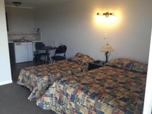 Prairie Dust Motel, Motely  Jenner - big - 3