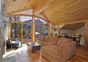 Ross Luxury Vacation Rental - Alpine Meadows