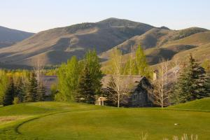 Sun Valley Hotels