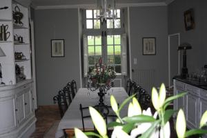 Demeure de Villiers, Bed and Breakfasts  Coudeville - big - 23