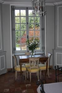 Demeure de Villiers, Bed and Breakfasts  Coudeville - big - 18