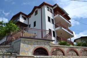 Villa Fania
