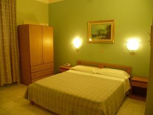 Hotel Pensione Romeo, Hotely  Bari - big - 48