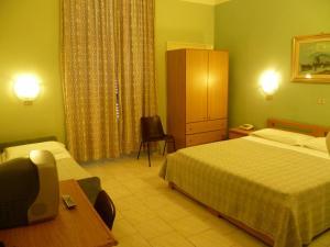 Hotel Pensione Romeo, Hotely  Bari - big - 35