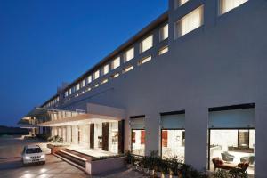 Courtyard By Marriott Bilaspur..