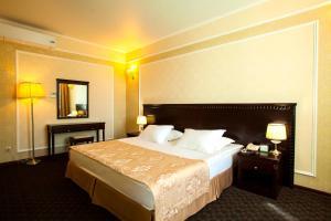 Green Hall Hotel, Szállodák  Kamenszk-Uralszkij - big - 10