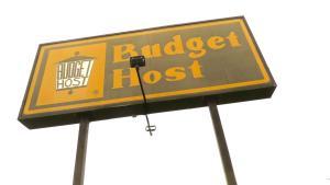 Budget Host Airport Inn, Мотели  Waterville - big - 12