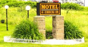 Budget Host Airport Inn, Мотели  Waterville - big - 10