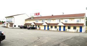 Budget Host Airport Inn, Мотели  Waterville - big - 1