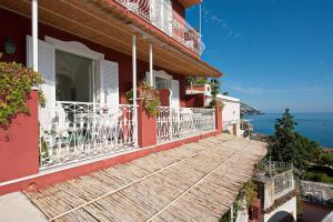 塔爾譚納別墅酒店 (Villa La Tartana)