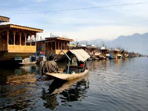 Shahnama House Boats