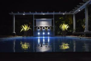 潛水旅館 (Dive Inn Guesthouse)