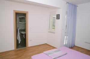 Apartments Deak, Apartmány  Janjina - big - 7