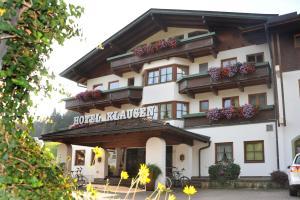 Sport und Familienhotel Klausen - Hotel - Kirchberg in Tirol