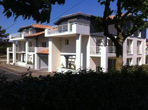 Appartement La Villa Gayrou, Apartments  Vieux-Boucau-les-Bains - big - 1