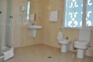 Grand White City Hotel, Hotels  Berat - big - 5
