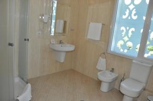 Grand White City Hotel, Hotels  Berat - big - 15