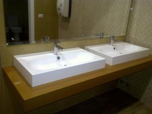 Grand White City Hotel, Hotels  Berat - big - 2