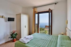 BB Santalucia, Bed & Breakfast  Agerola - big - 12