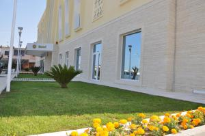 Grand White City Hotel, Hotels  Berat - big - 43