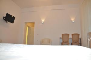 Grand White City Hotel, Hotels  Berat - big - 3
