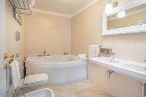 Marina Holiday & Spa, Hotely  Balestrate - big - 2