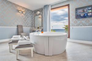 Marina Holiday & Spa, Hotely  Balestrate - big - 18
