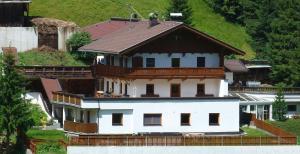 Ferienwohnung Brandegg - Apartment - Hintertux