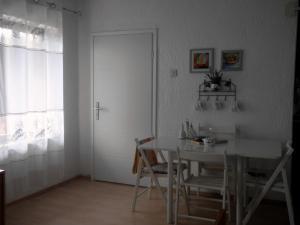 House Klanfari, Ferienwohnungen  Dramalj - big - 15