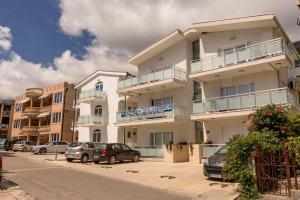 Apartments Lekovic