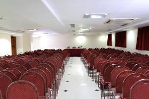 Hotel Western Gatz, Отели  Theni - big - 23