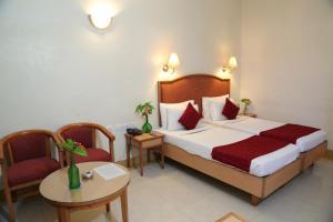 Hotel Western Gatz, Отели  Theni - big - 17