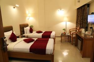 Hotel Western Gatz, Отели  Theni - big - 4