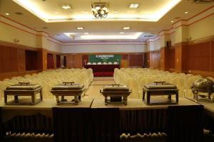 Hotel Western Gatz, Отели  Theni - big - 29