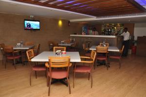 Hotel Western Gatz, Отели  Theni - big - 38