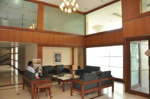 Hotel Western Gatz, Отели  Theni - big - 31