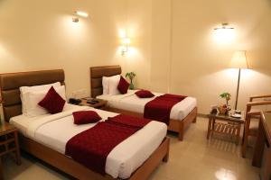 Hotel Western Gatz, Отели  Theni - big - 25