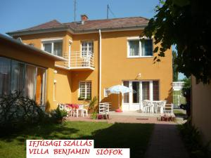Youth Hostel Villa Benjamin - Siófok