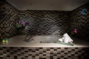 Ramada Resort Bodrum, Hotely  Bitez - big - 81