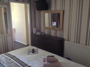 Glenheath Hotel, Гостевые дома  Блэкпул - big - 6