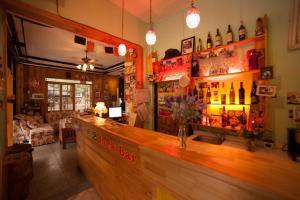 Rockabond Inn