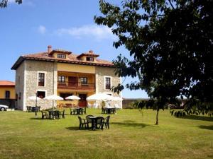 Hotel Apartamentos La Montañesa
