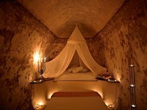 Suites Of The Gods Cave Spa Hotel(Megalochori)