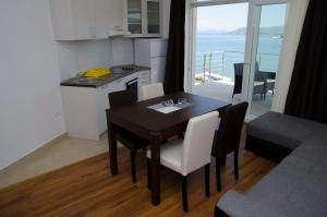 Apartments Deak, Apartmány  Janjina - big - 28
