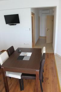 Apartments Deak, Apartmány  Janjina - big - 34