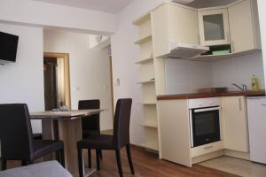 Apartments Deak, Apartmány  Janjina - big - 41