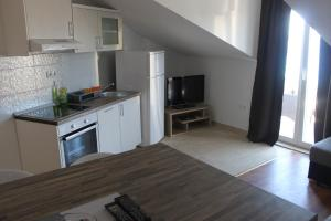 Apartments Deak, Apartmány  Janjina - big - 51