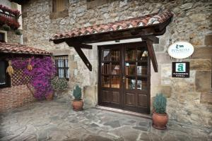 Posada La Solana, Country houses  Santillana del Mar - big - 34