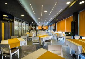 Hotel Comsar Rudo - фото 12